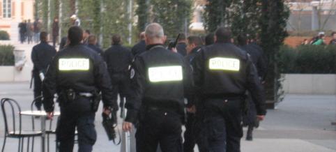 Policiers attaqués à Bagatelle : 2 blessés, 2 adolescents arrêtés