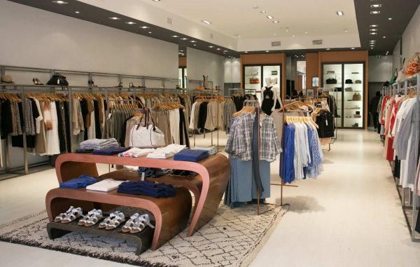 Gérard Darel ouvre une boutique au Nailloux village de marques
