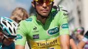 «Critérium du Dauphiné 2014 - Etape 6 - Alberto Contador, Quintana et Latour sur le podium Contador» par Ludovic Péron — Travail personnel. Sous licence CC BY-SA 3.0 via Wikimedia Commons.