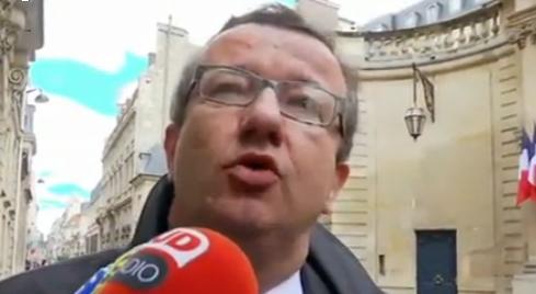 Valls accuse ceux qui ne respectent pas les décisions majoritaires de leur groupe