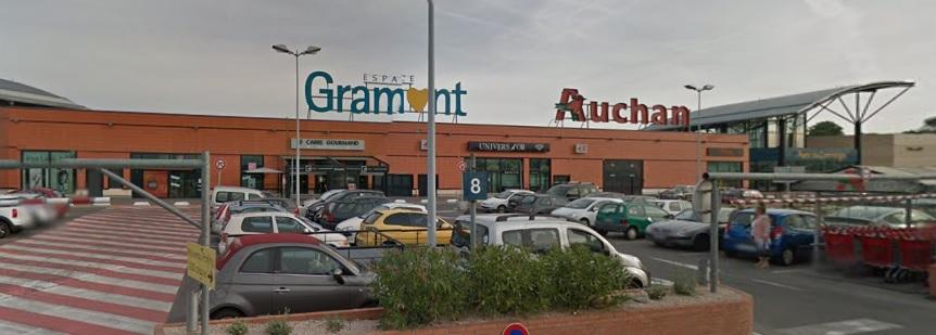 Toulouse enfant grievement blessé grilles Auchan Gramont