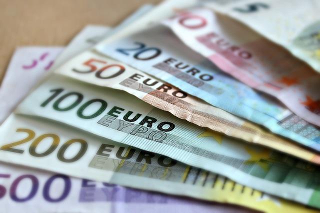 Mirepoix (Ariège) ils tentaient de payer avec un faux billet de 100 euros