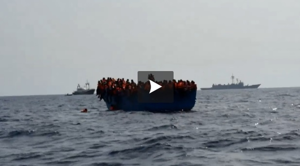 video-du-sauvetage-de-5000-migrants-lundi-en-mediterranee