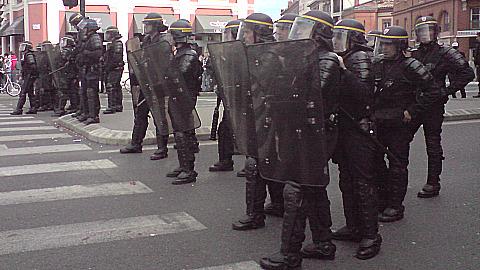 Le Front National manifeste à Villemur sur Tarn pour dire non aux migrants