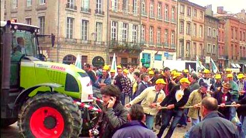 Les agriculteurs manifestent à Montauban ce lundi