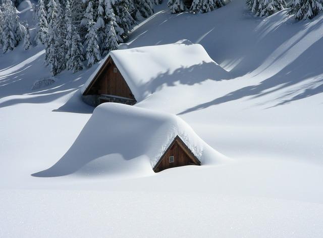 Neige et à 600 mètres sur le Tarn, à 1200 mètres sur les Pyrénées