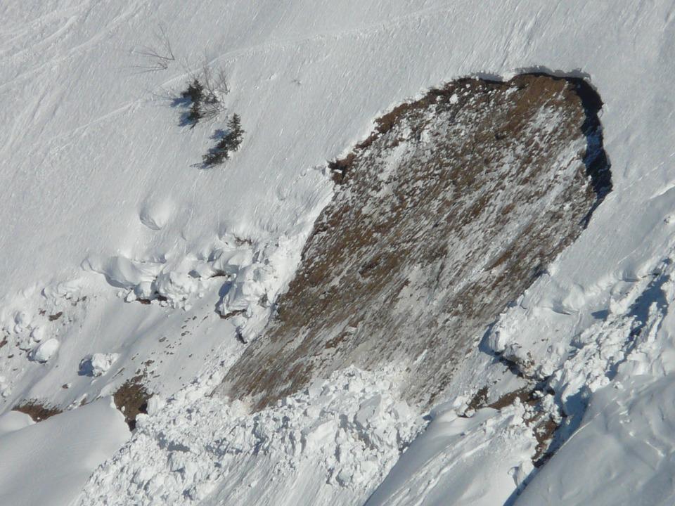 Avalanches. risque fort dans les Pyrénées