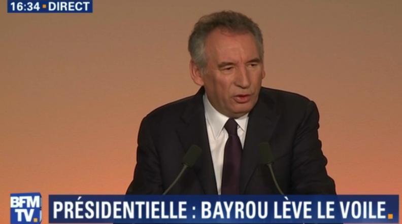 François Bayrou s'allie à Emmanuel Macron