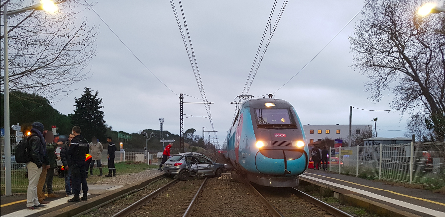 Miracle. une conductrice percutée par 2 trains s'en sort indemne