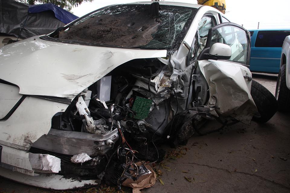 Tarn. un mort et une personne grièvement blessée dans un accident de la route