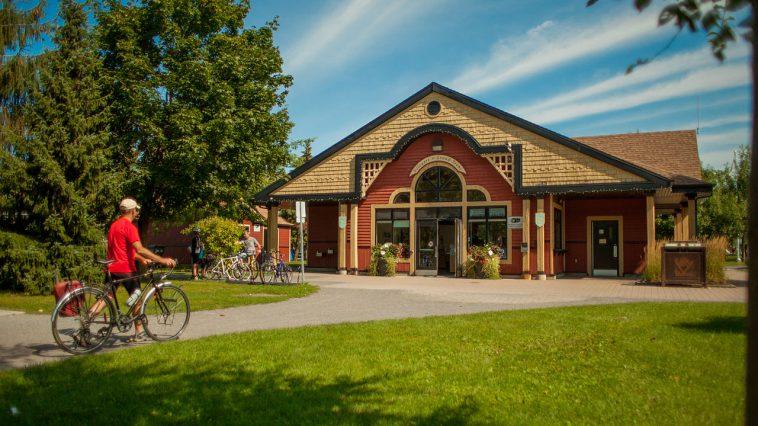 la ville de Colomiers propose 10 jobs d'été ... au Quebec