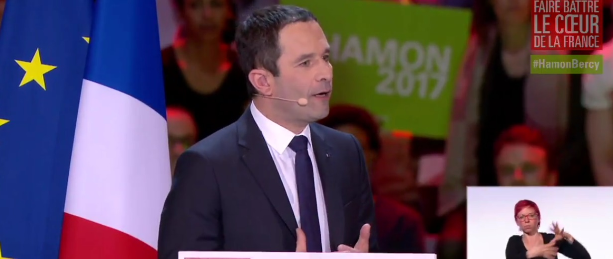 Benoit Hamon dénonce les candidats du parti de l'argent