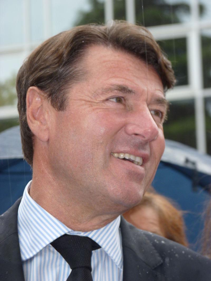 Estrosi favorable à un retrait de Fillon pour Juppé