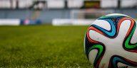 Luxembourg 1 France 3. Giroud et Griezmann maintiennent la France en tête de son groupe