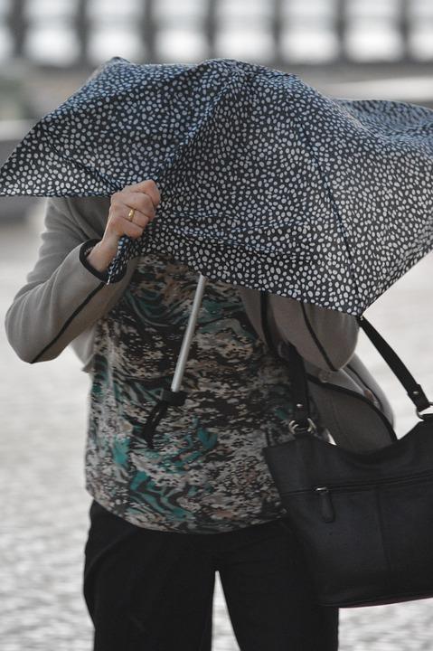 Météo Toulouse. grisaille, éclaircies et 16 degrés lundi après midi