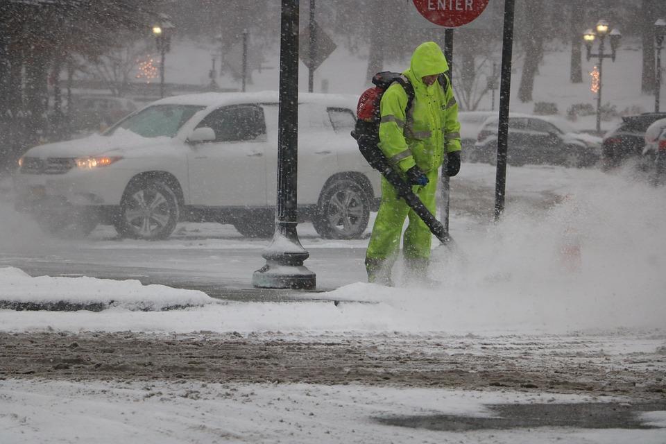 Neige froid vent, la tempête Stella frappe New York et Philadelphie