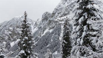 Neige sur les Pyrénées ce lundi