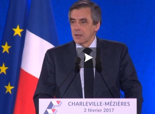 Pénélope Fillon se défend et soutient François Fillon