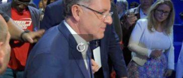 Ferrand, ministre et proche de Macron visé par un article du Canard Enchaîné