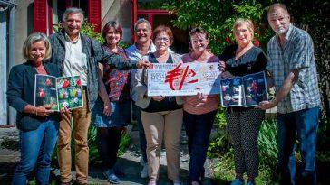 La Caisse d'Epargne remet un chèque de 5000 euros à l'association Reflet 31