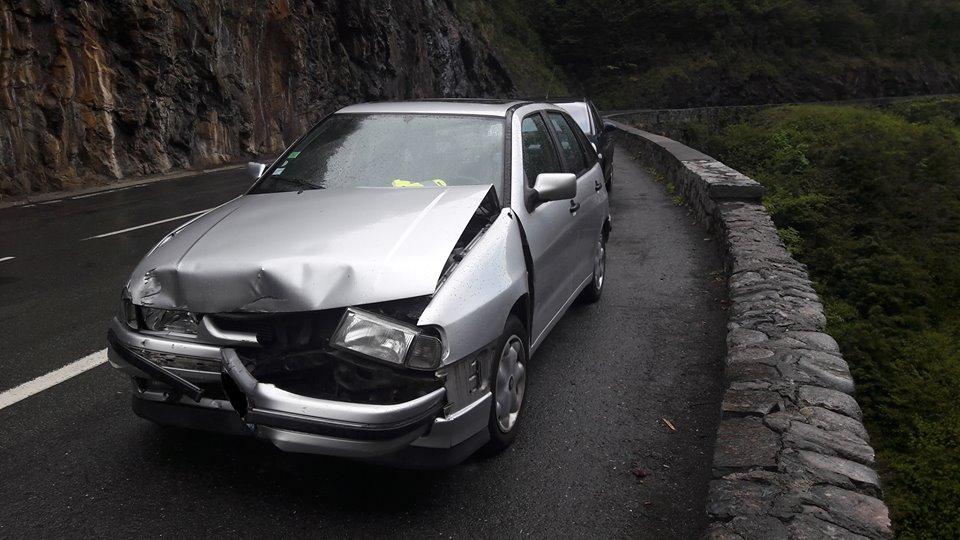 Miracle à Luz. un jeune conducteur, ivre, échappe à la mort dans un accident de la route