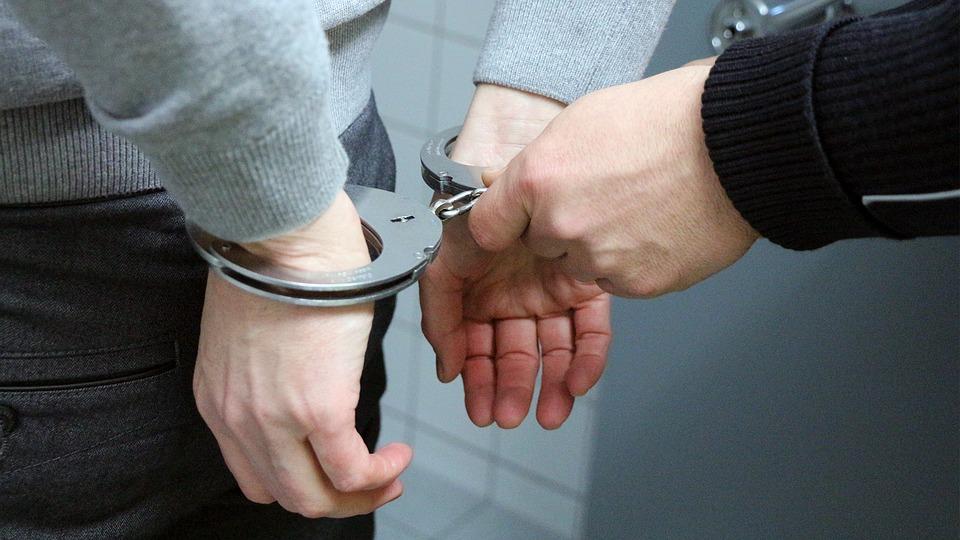 Toulouse. un voleur enfermé dans une voiture