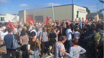 Tarbes. 300 manifestants contre le mur de Séméac