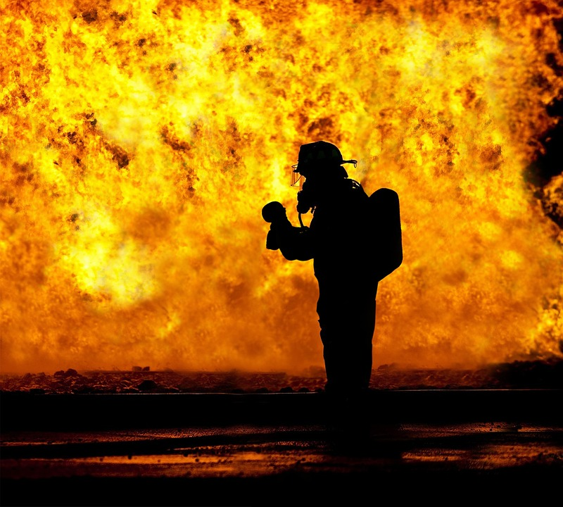 """Incendie en Haute-Corse """"une guérilla urbaine"""" menée contre le feu"""
