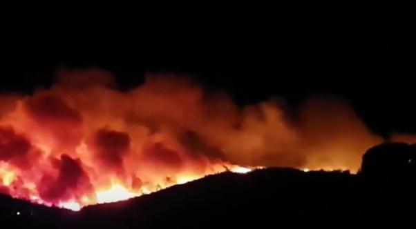 Incendies dans le Var: 10 000 personnes évacuées