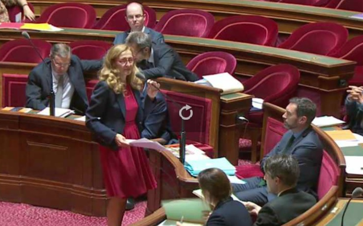 Le Sénat vote contre l'interdiction des emplois familiaux au Parlement