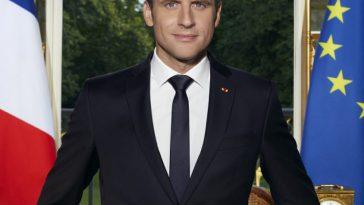 Le portrait d'Emmanuel Macron pourrait coûter cher aux mairies