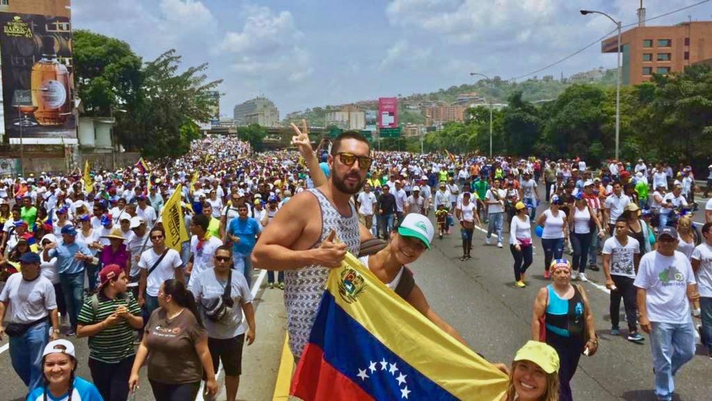 Tension à la veille du référendum au Venezuela