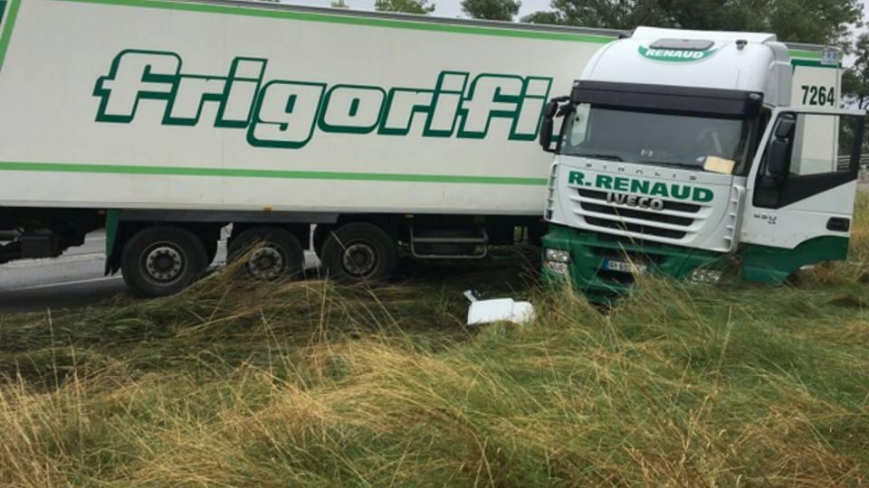 Toulouse. impressionnant accident d'un camion semi remorque