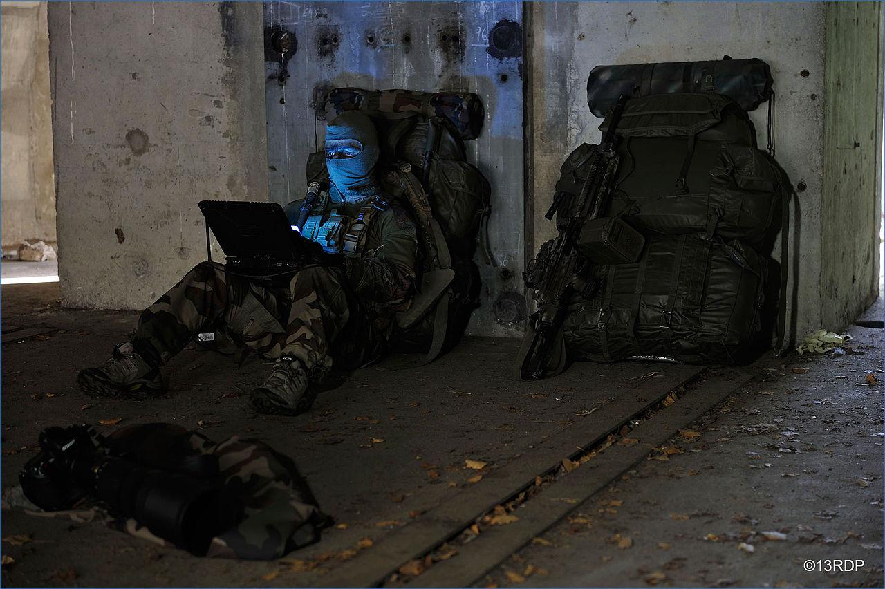 Les commandos du 13e Régiment Dragons parachutistes en formation dans les Pyrénées