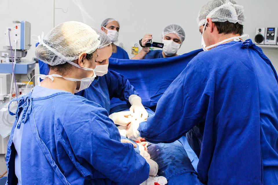 CHU de Toulouse. 1ere implantation à « cœur battant » de la valve mitrale