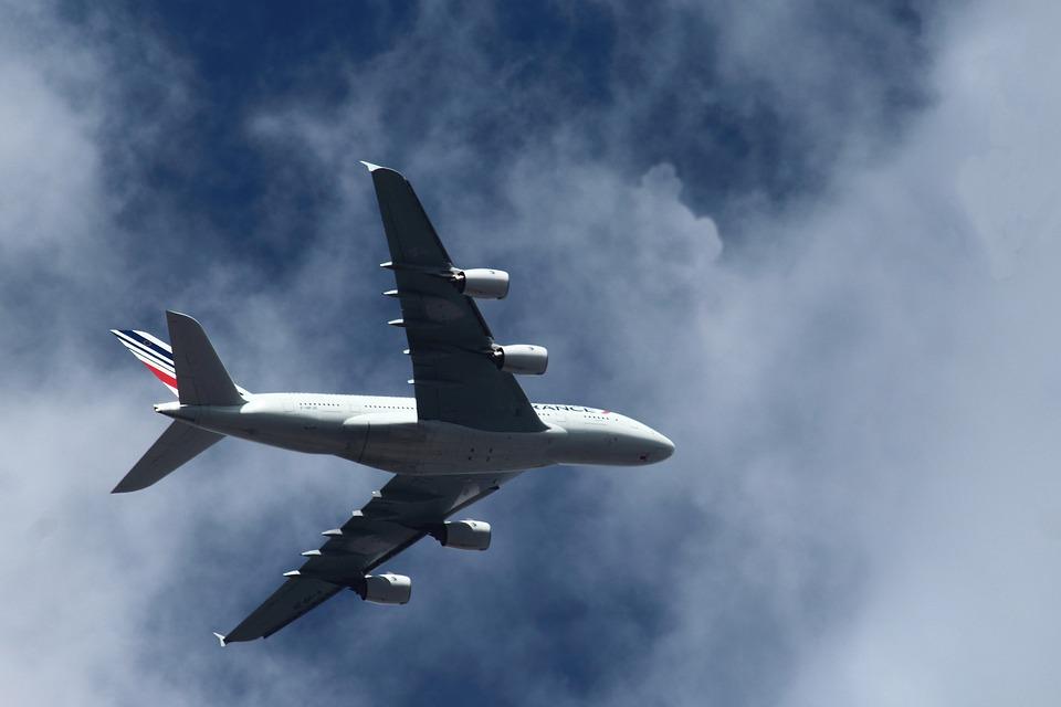 Hop Air France lance des billets d'avions à 34 euros pour les jeunes