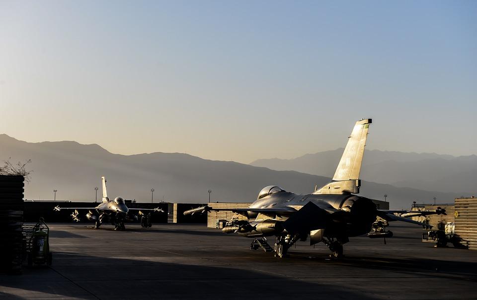Les forces américaines patrouillent au dessus de la Corée