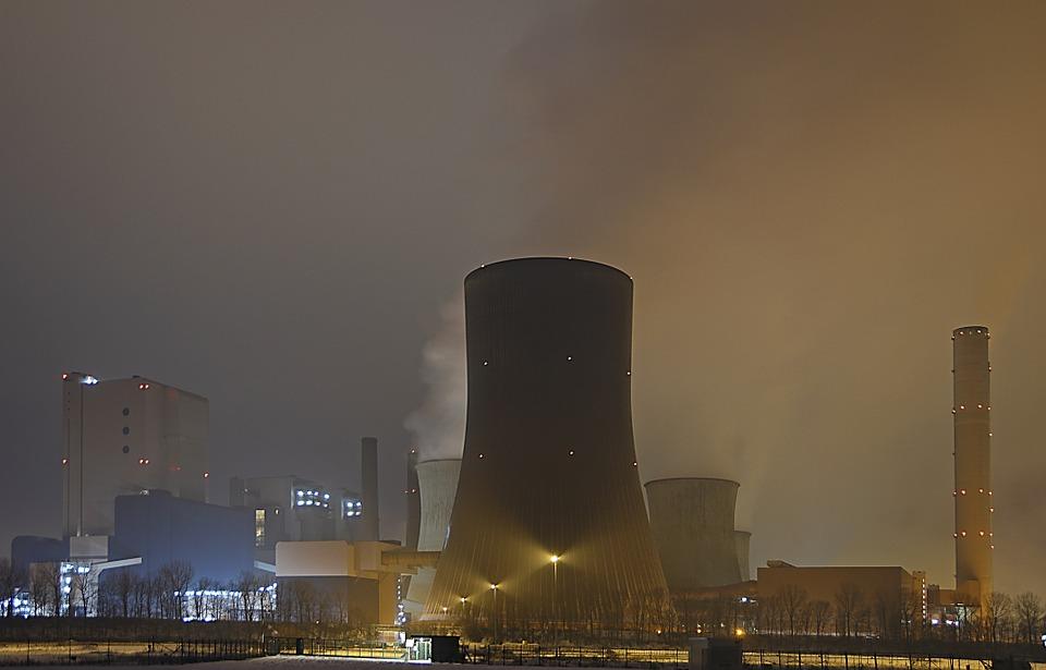 Nucléaire EDF sommé d'arrêter la centrale de Tricastin