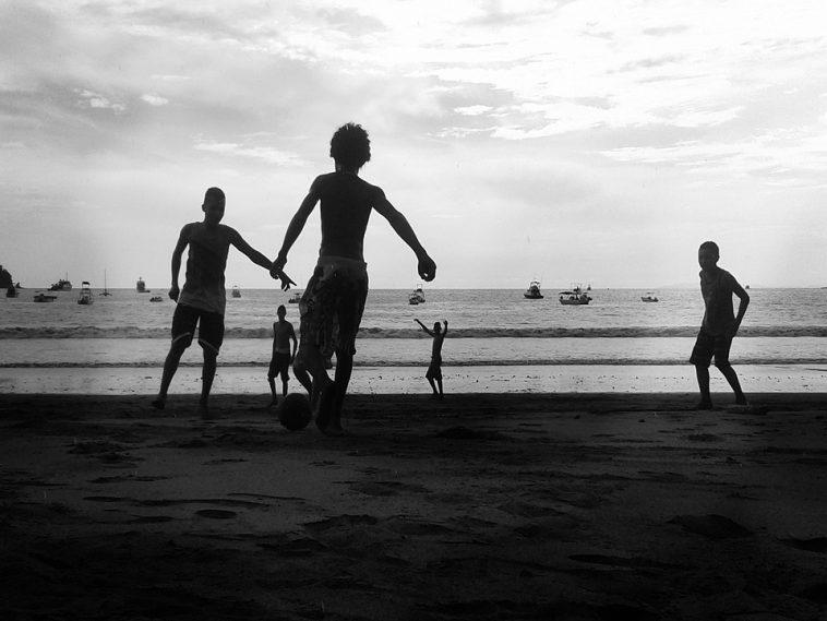 enfants réfugiés en Méditerranée. alerte sur les trafics d'être humains
