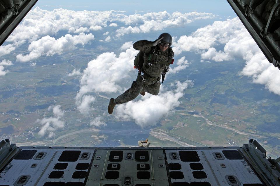 les parachutistes de la 11e BP fêtent la Saint Michel