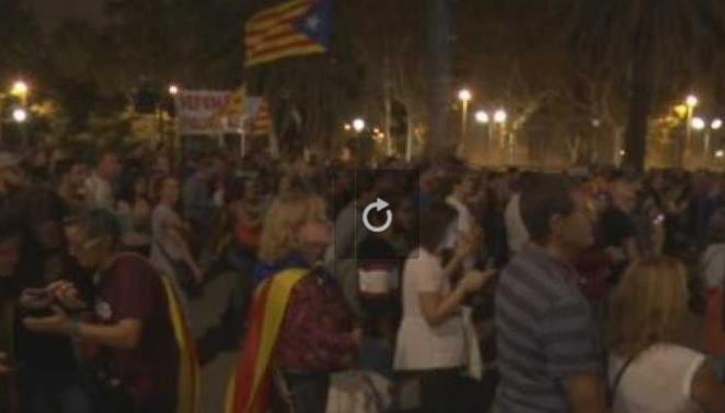 Catalogne, déclaration d'indépendance suspendue, incompréhension des Catalans