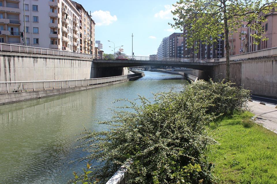 Météo Toulouse. soleil, vent et 24 degrés lundi après midi