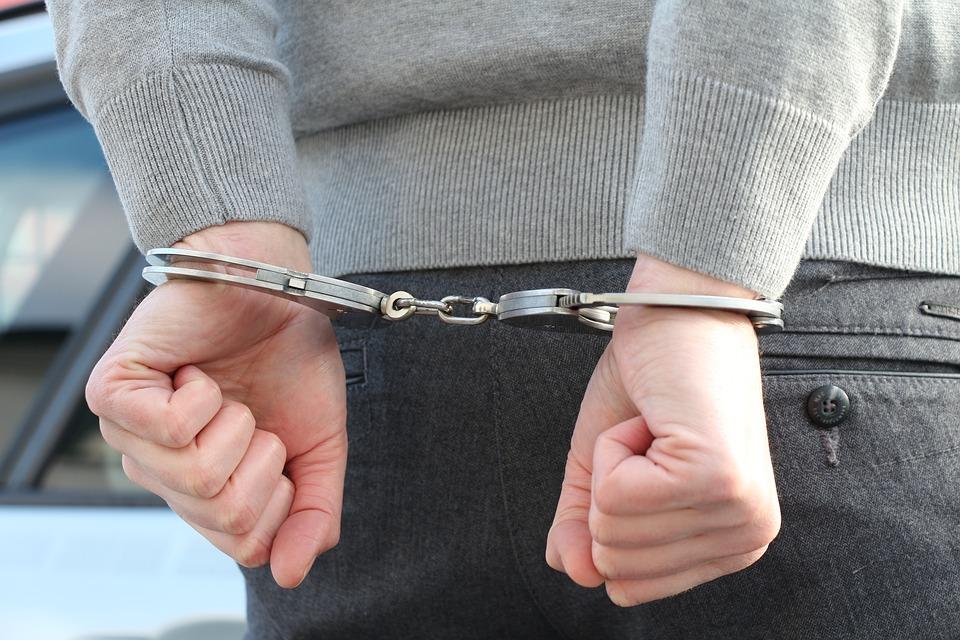 Pyrénées. évadé de prison, soupçonné de vol et d'escroquerie, il déjeunait en terrasse