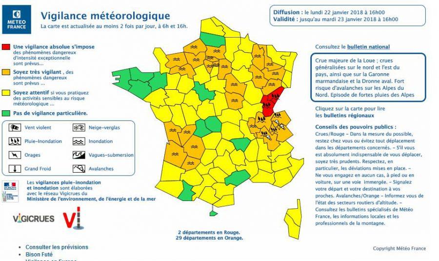 Inondations. Doubs et Jura en alerte météo niveau rouge