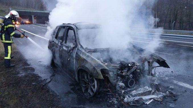 Lourdes. une conductrice sauvée in extremis de l'incendie de sa voiture