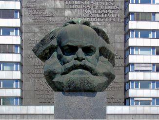 21 février. Jeanne d'Arc, Marx et Engels, Verdun, Manouchian