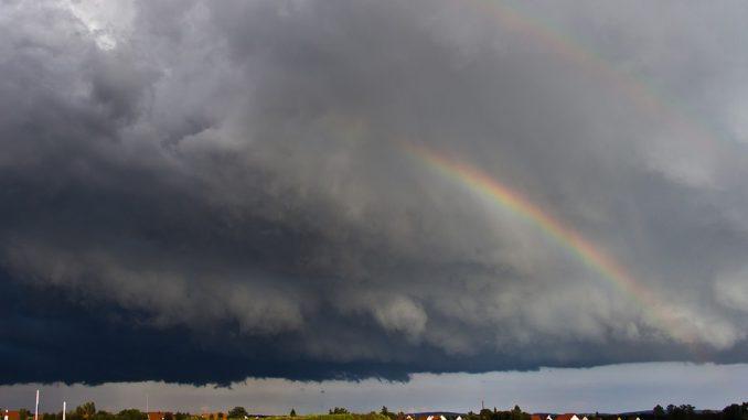 Météo Toulouse. soleil puis orages et vents dans l'après midi