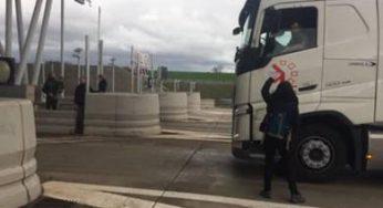 Notre Dame des Landes, des militants aveyronnais bloquent le Viaduc de Millau