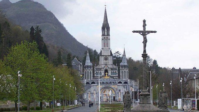 Geneviève Darrieussecq, secrétaire d'État à Lourdes pour le pèlerinage des armées
