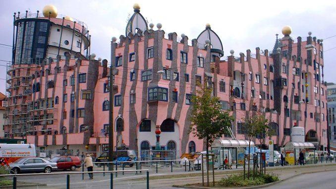 Millau. le musée expose Friedensreich Hundertwasser